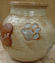 urn for ashes of dead dogs and cats